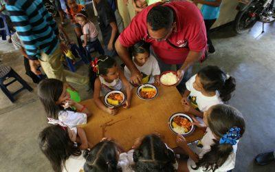 Planteles exigen a padres llevar comida para el PAE.