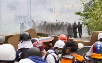 Alumnos de la Unimet aguantaron la represión de la GNB por más de una hora