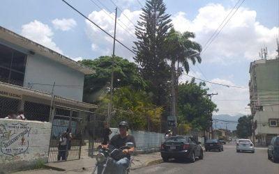 Las aulas se vacían en Carabobo debido a la falta de gasolina