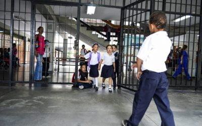 Inició año escolar 2017-18 y el Gobierno omitió cifras sobre la matrícula actual.