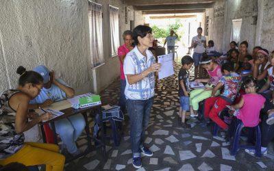 ¿Los niños venezolanos comen, se visten o estudian?