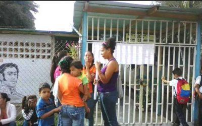 Directores afectos a Maduro acosan a educadores de Barinas