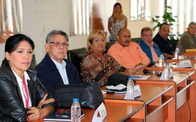 Ministerio de Educación se reunió con sindicatos docentes antes de discusión del contrato.