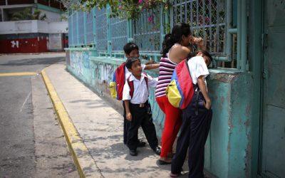 INE registra menos estudiantes, menos escuelas y menos docentes en el país