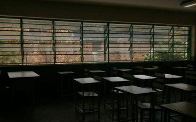 Colegios fuera de servicio (III)