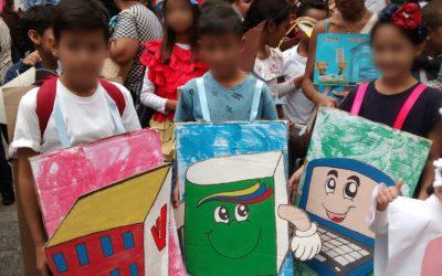 """El carnaval de los escolares caraqueños se """"disfrazó"""" de Clap, Misión Vivienda y Canaimitas –"""