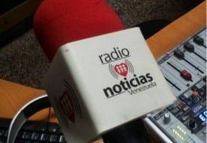 Proponen hacer campaña para comprar receptor que robaron a Radio Fe y Alegría.